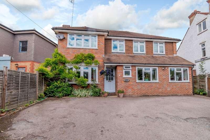 5 Bedrooms Detached House for sale in Uxbridge Road, Rickmansworth, WD3 7AR