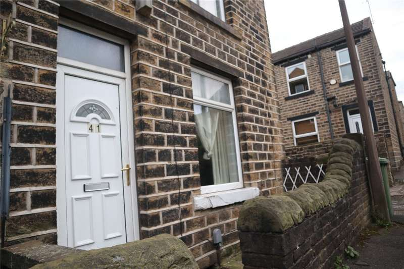 2 Bedrooms Terraced House for rent in Baker Street, Oakes, Huddersfield, HD3