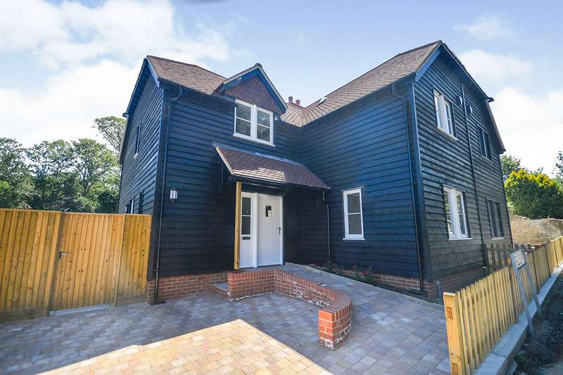 3 Bedrooms Semi Detached House for sale in Church View, Seed Road, Newnham, Sittingborne, ME9