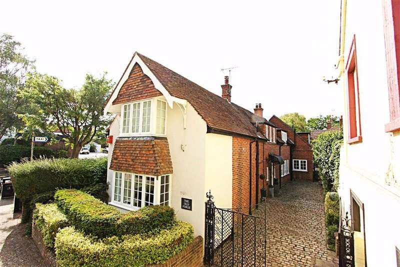 4 Bedrooms Detached House for sale in Tring, Hertfordshire