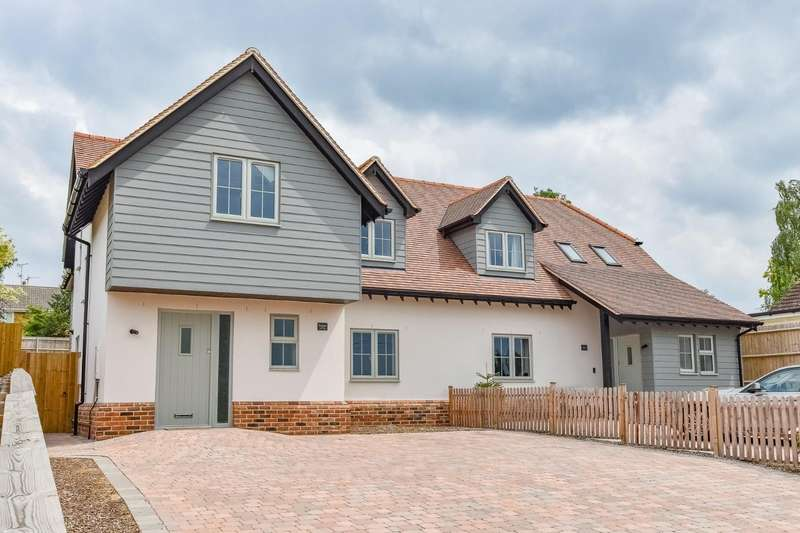 4 Bedrooms Semi Detached House for sale in The Downs, Stebbing