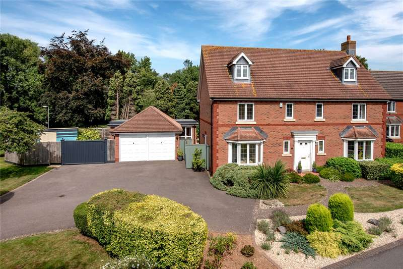 6 Bedrooms Detached House for sale in Queens Drive, Taunton, Somerset, TA1