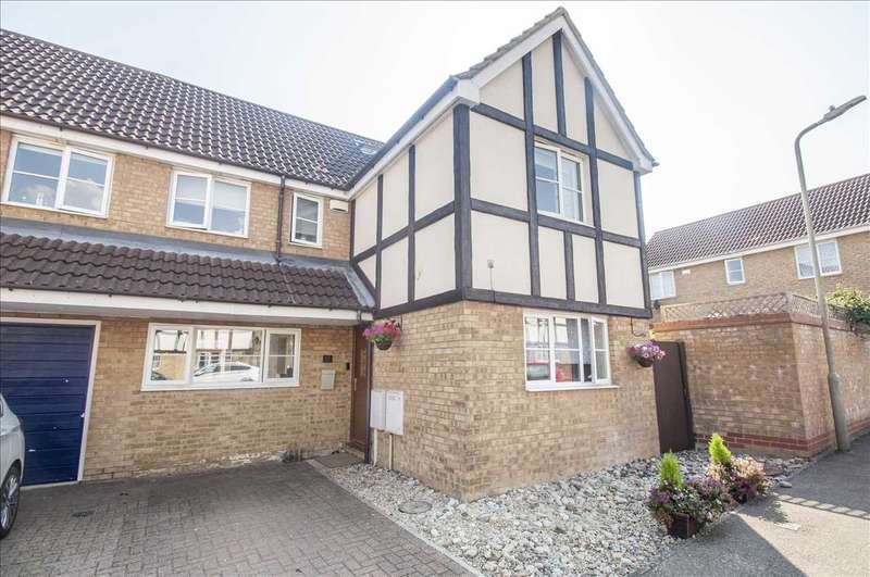 5 Bedrooms Semi Detached House for sale in Acorn Close, Park Farm, Kingsnorth, Ashford, Kent TN23 3HR