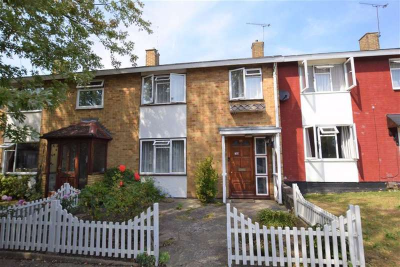 3 Bedrooms Terraced House for sale in Long Gages, Basildon, Essex