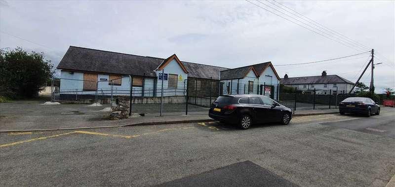 Property for sale in Ysgol Gynradd Dwyran Primary School, Lon Capel, Dwyran