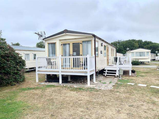 2 Bedrooms Mobile Home for sale in Solent Breezes, Chilling Lane, Warsash