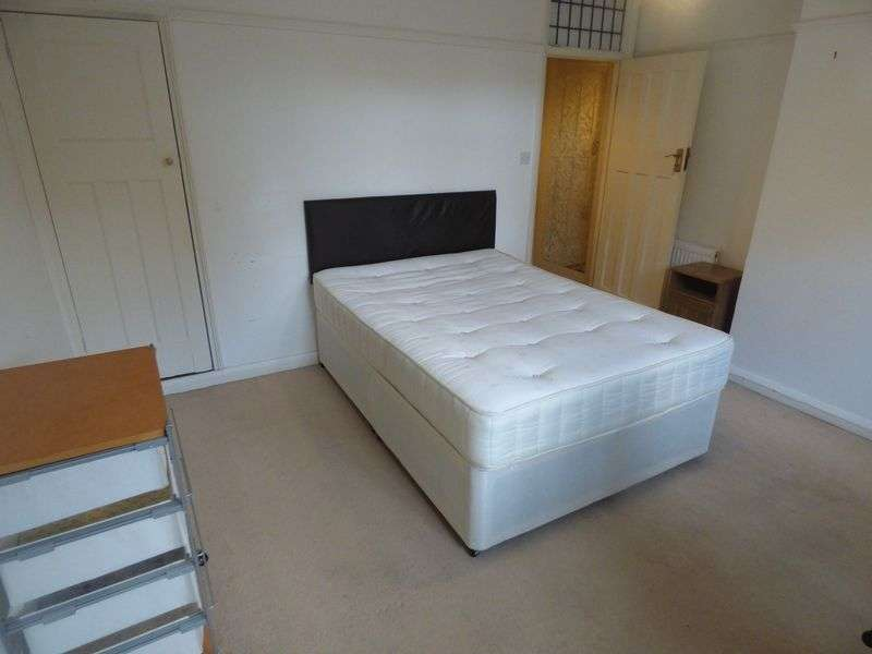 1 Bedroom Property for rent in Priory Crescent, Sutton