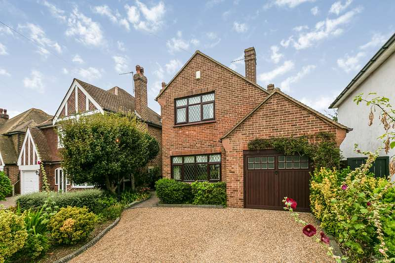 3 Bedrooms Detached House for sale in Brenchley Avenue, Gravesend, Kent, DA11