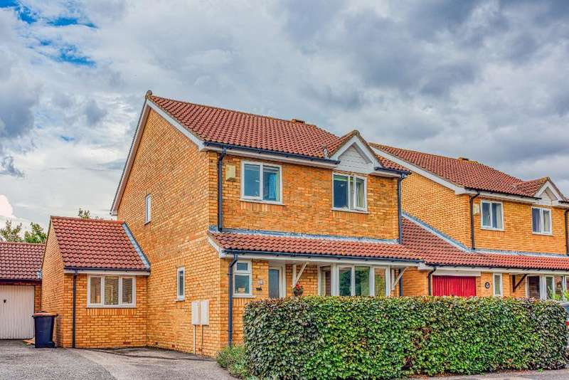 5 Bedrooms Link Detached House for sale in Mitford Close, Bedford, MK41 8RF