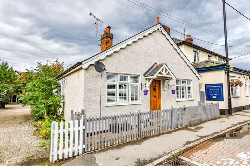 3 Bedrooms Detached Bungalow for sale in The Street, Rayne, Braintree