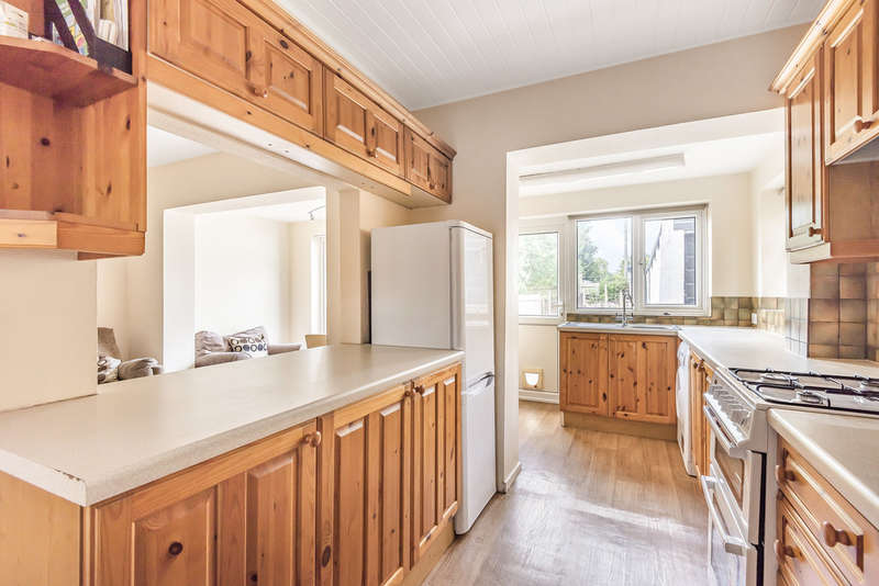 4 Bedrooms Semi Detached House for rent in Worplesdon Road, Guildford