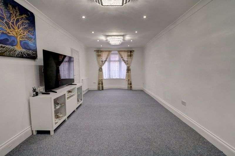 2 Bedrooms Property for sale in Marlborough Road, Dagenham