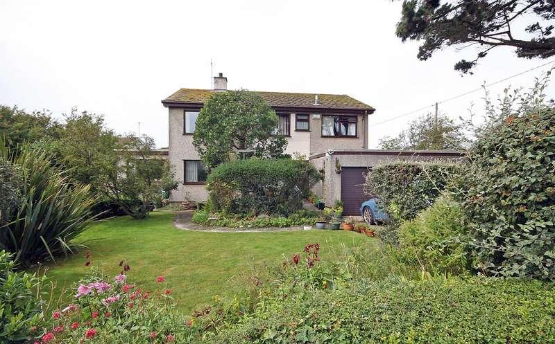 4 Bedrooms Detached House for sale in The Links, Amlwch, Sir Ynys Mon, LL68