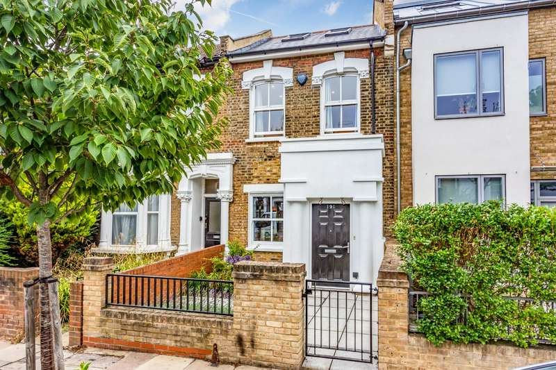 3 Bedrooms Terraced House for sale in Highbury Hill, London, N5