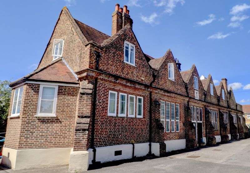 1 Bedroom Property for sale in Churchgate, Cheshunt