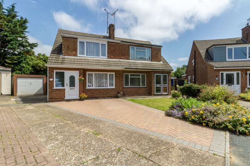 3 Bedrooms Semi Detached House for sale in Ely Close, Rainham, Gillingham, Kent, ME8