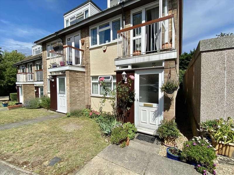 1 Bedroom Apartment Flat for sale in Harriet Way, BUSHEY HEATH