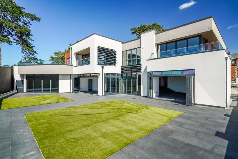 5 Bedrooms Detached House for sale in Beach Lane, Netley Abbey, Southampton, Hampshire, SO31