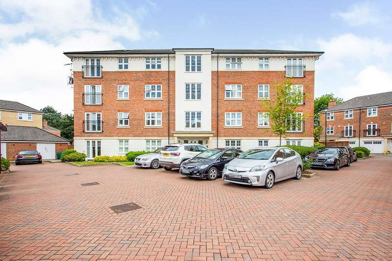 2 Bedrooms Apartment Flat for sale in Heaton Court, 12 Colnhurst Road, Watford, Hertfordshire, WD17