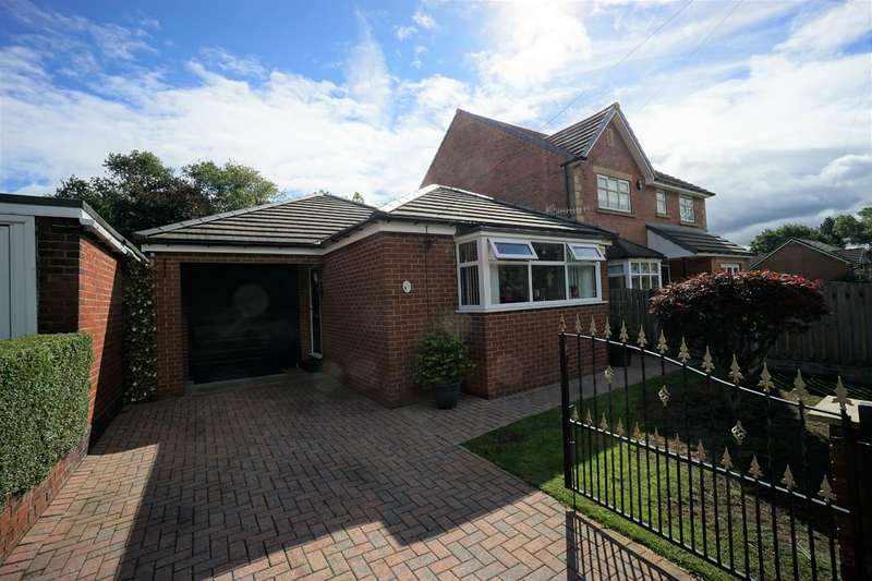 2 Bedrooms Detached Bungalow for sale in Halifax Road, Grenoside, Sheffield, S35 8PA