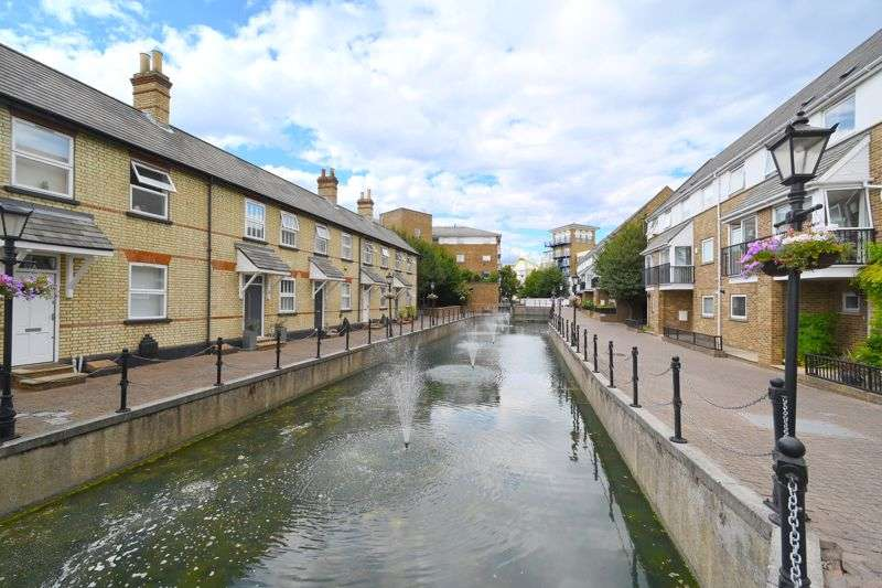 3 Bedrooms Property for sale in Albert Mews, Limehouse, E14