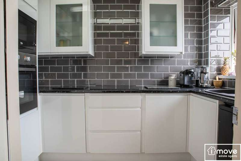 1 Bedroom Apartment Flat for sale in Bishop Wilfrid Road, Teignmouth, TQ14