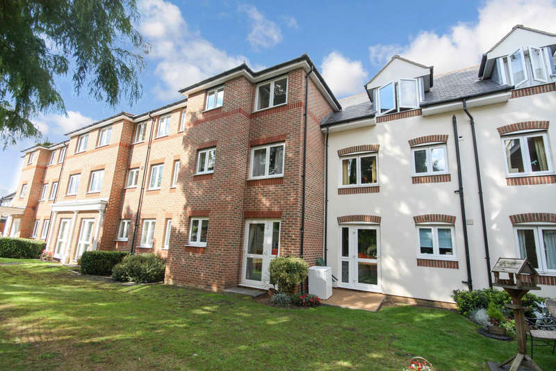 1 Bedroom Ground Flat for sale in Spalding Court, Cedar Avenue, Chelmsford