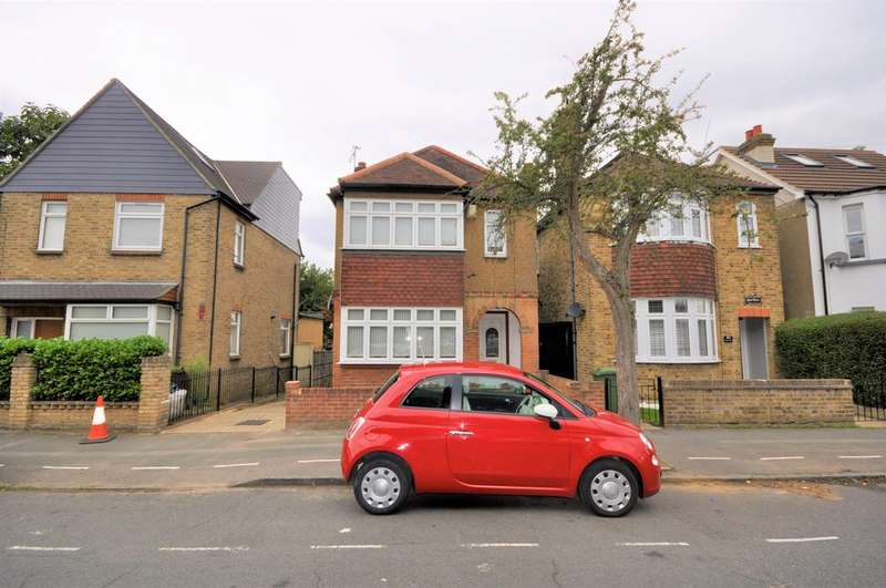3 Bedrooms Property for sale in Princes Road, Romford, RM1
