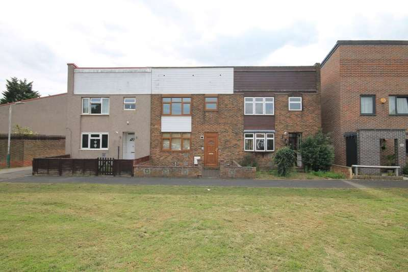3 Bedrooms Semi Detached House for sale in Henbane Path, Romford, RM3