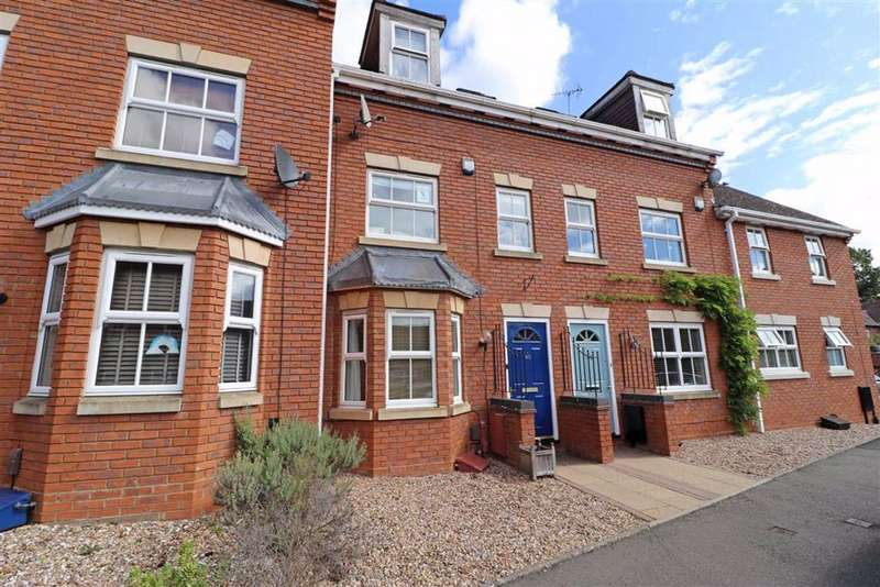3 Bedrooms Town House for sale in Charter Approach, Warwick, CV34