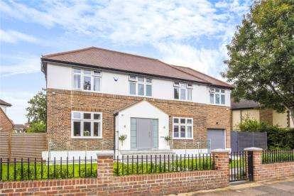 4 Bedrooms Detached House for sale in Foxgrove Avenue, Beckenham