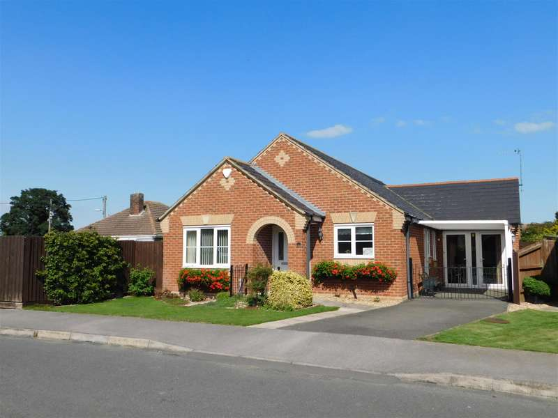 3 Bedrooms Detached Bungalow for sale in Draycott Way, Chapel St. Leonards, Skegness, PE24 5WG