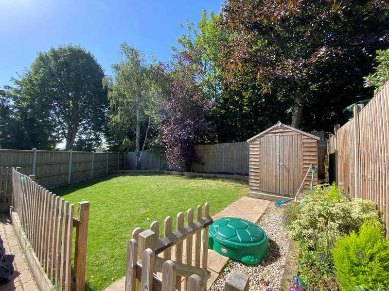 3 Bedrooms Terraced House for sale in Ganels Close, Billericay