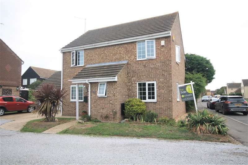4 Bedrooms House for sale in Southgreen Gardens, Clacton on Sea