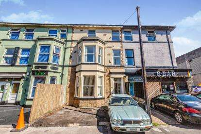 6 Bedrooms Terraced House for sale in Lord Street, Blackpool, Lancashire, England, FY1