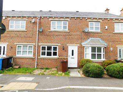 3 Bedrooms Terraced House for sale in New Street, Lees, Oldham