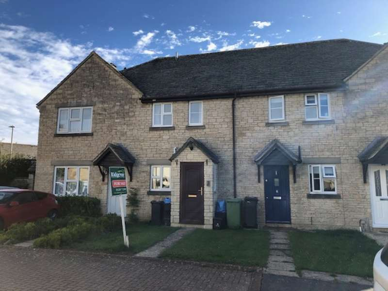 2 Bedrooms Terraced House for sale in Barker Place, Fairford