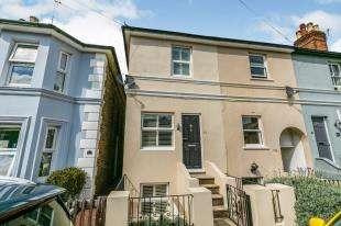 2 Bedrooms Terraced House for sale in Newcomen Road, Tunbridge Wells, Kent, .