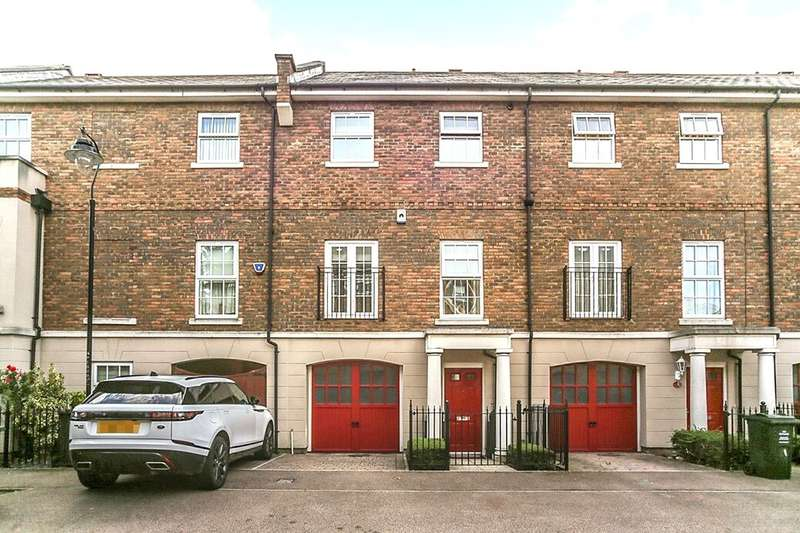 3 Bedrooms Terraced House for sale in Park Cliff Road, Ingress Park, Greenhithe, DA9
