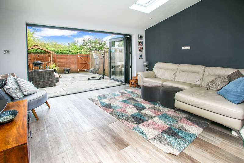 3 Bedrooms Terraced House for sale in Sunnymead, Oakley, Basingstoke, RG23