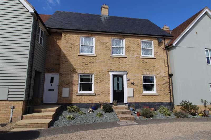 2 Bedrooms Maisonette Flat for sale in Darkhouse Lane, Rowhedge, Colchester, CO5