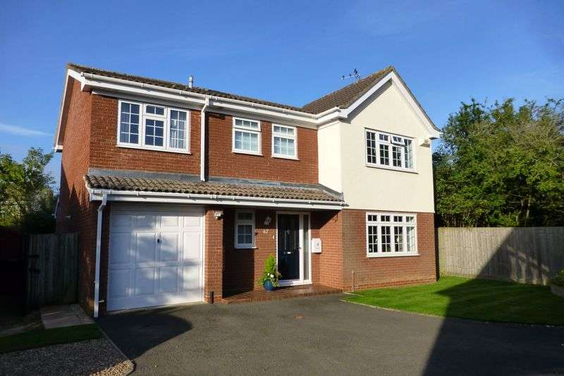 4 Bedrooms Property for sale in Shearwater Drive, Bicester
