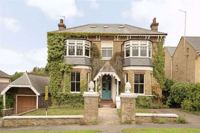 8 Bedrooms Detached House for sale in Heath Road, Little Heath, Hertfordshire