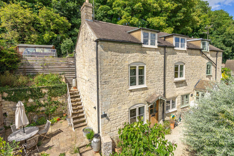 3 Bedrooms Cottage House for sale in Vicarage Street, Painswick