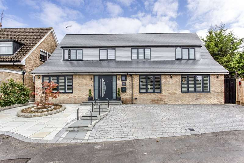 5 Bedrooms Detached House for sale in Chiltern Close, Bushey, Hertfordshire, WD23
