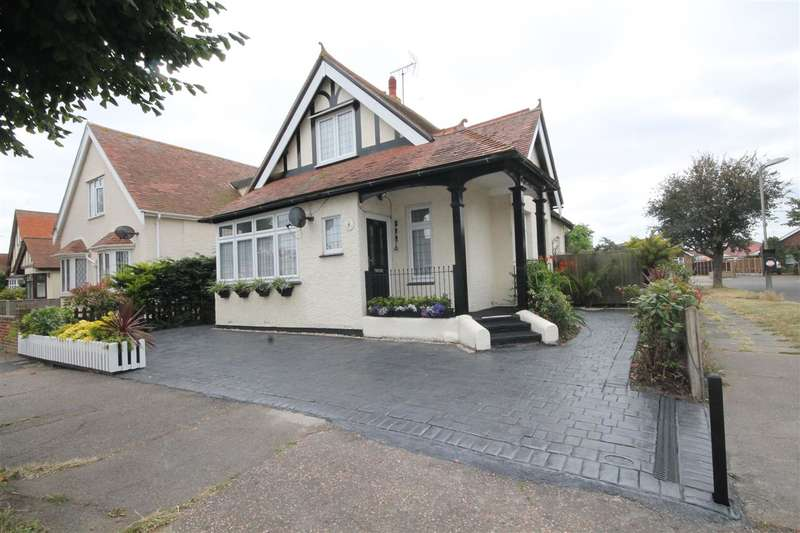 3 Bedrooms Bungalow for sale in Kings Avenue, Holland on Sea