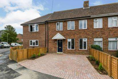 3 Bedrooms Terraced House for sale in Hayling Island, Hampshire, .