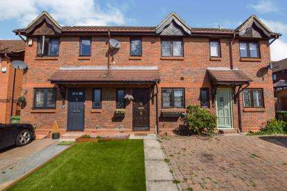 2 Bedrooms Terraced House for sale in Wickford, Essex, .