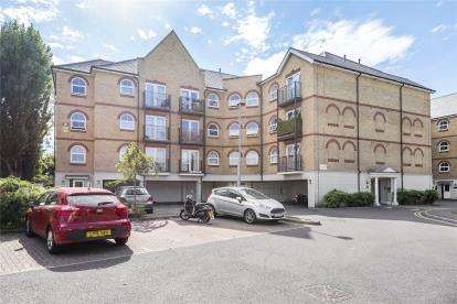 2 Bedrooms Flat for sale in Vickers Court, 101B Parish Lane, London