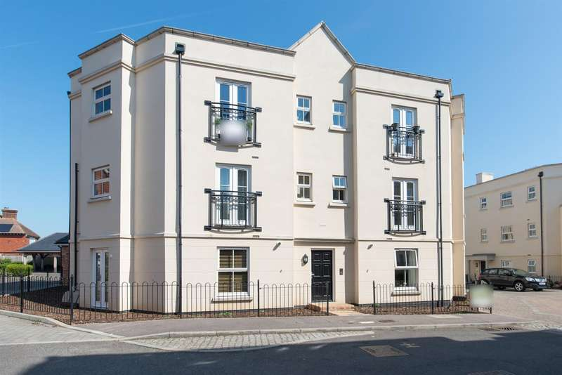 2 Bedrooms Flat for sale in College Square, Westgate-On-Sea